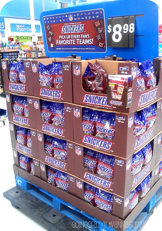SnickersNFL Minis Display at Walmart #SnickersMinis #CBias