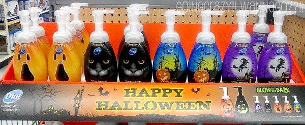 Dial foam soap for Halloween #DialCFK