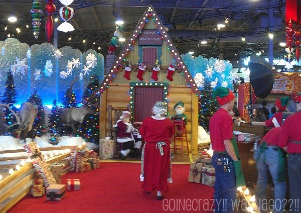 Santa and Mrs Claus at Santa's Wonderland
