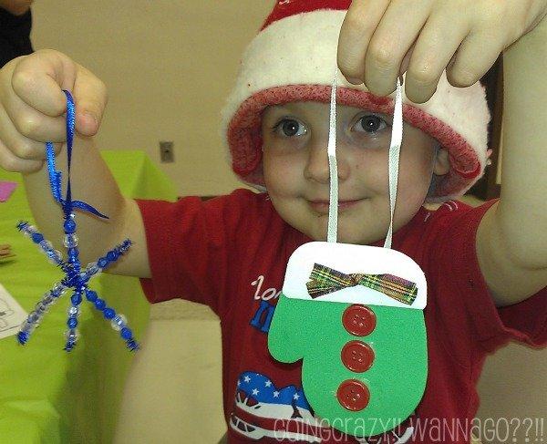 we made Christmas ornaments at Breakfast with Santa #ChristmasHustleNBustle