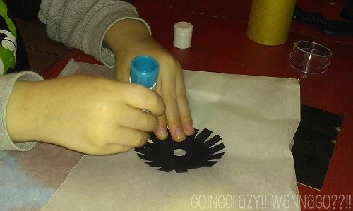 using the glue stick from Wummel Box