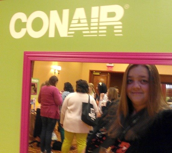 Straightening my hair #ConairDidMyHair #SoFabCon
