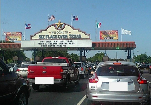 Entrance to Six Flags Over Texas