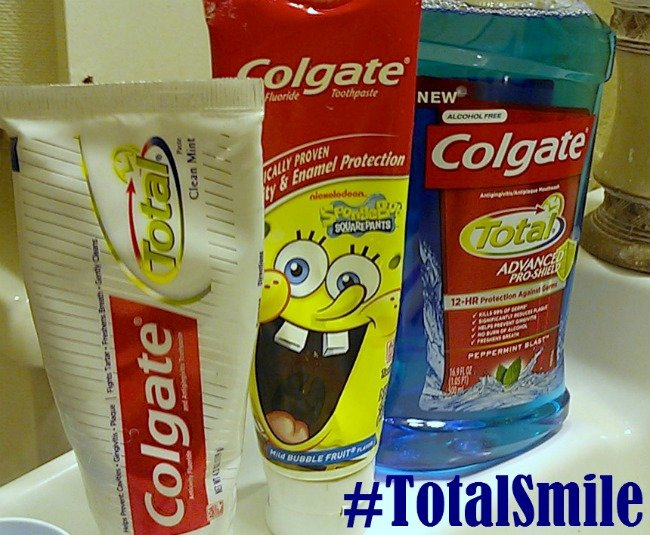 Working on our Morning Routine {Colgate Total Mouthwash} #TotalSmile