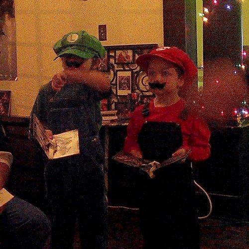 Mario and Luigi at the Gamer Wedding #GamerWedding