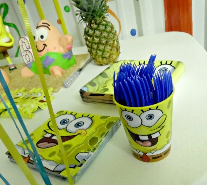 SpongeBob SquarePants party utensils