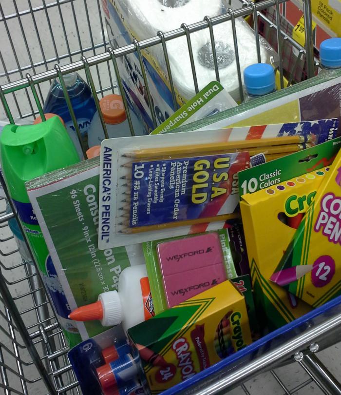 shopping at Walgreens #WalgreensPaperless #shop #CollectiveBias