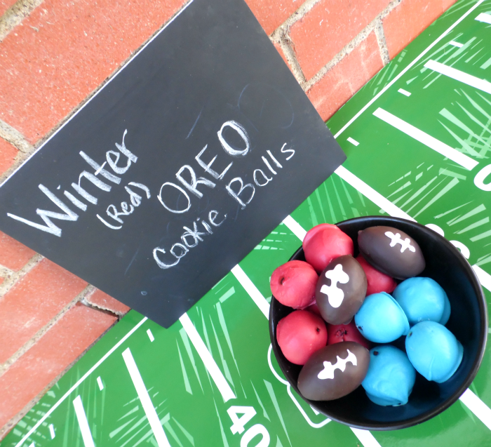 Winter (Red) OREO Cookie Balls in red and blue #OREOCookieBalls #ad #CollectiveBias #cbias